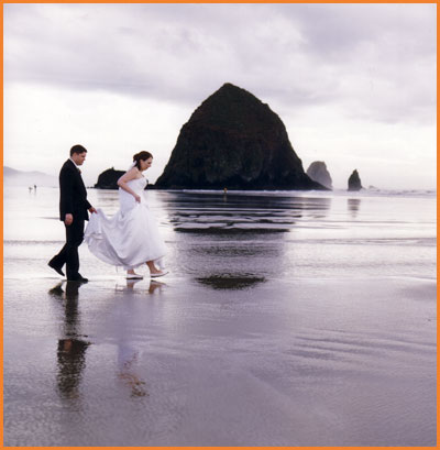 Beach Wedding on Beautiful Cannon Beach Wedding Photos By Jim Stoffer Photography